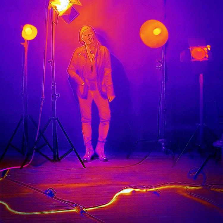 A documentarista Laura Poitras em retrato de Annie Leibovitz na mostra 'Women', agora na Cidade do México